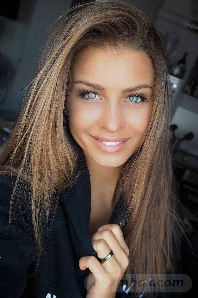 resimbox-beautiful-girl-648518415068957749