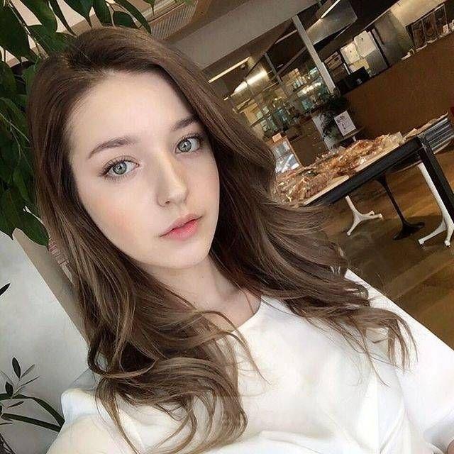 resimbox-beautiful-girl-648518415069615416