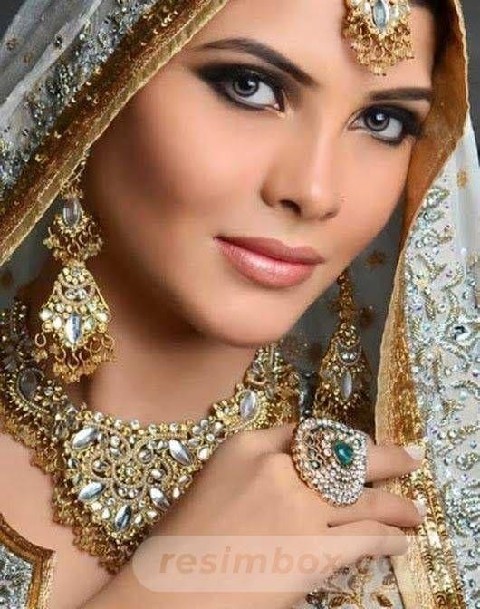 resimbox-beautiful-girl-648518415068855770