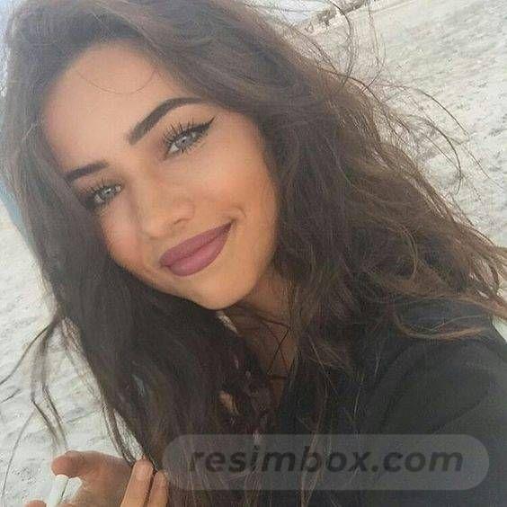 resimbox-beautiful-girl-648518415068967503